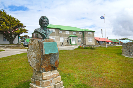 Bust of British Prime Minister Margaret Thatcher at Government House, Stanley, Falkland Islands.  To pay tribute to her support during the Falklands War. 報道画像