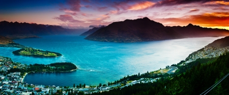 Aerial view of Queenstown with lake Wakatipu 스톡 콘텐츠