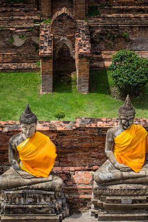 chaimongkol: Ruins of buddha Wat Yai Chaimongkol  in ayutthaya province Thailand.