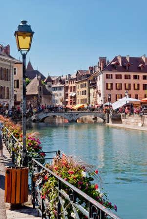 Annecy, en France, la ville et le canal vue