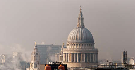 London, St Paul Cathedral Stock Photo - 17415559