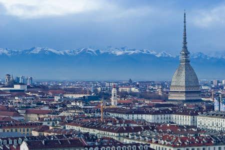 Mole Antonelliana avec montagnes des Alpes, Turin, Italie Banque d'images
