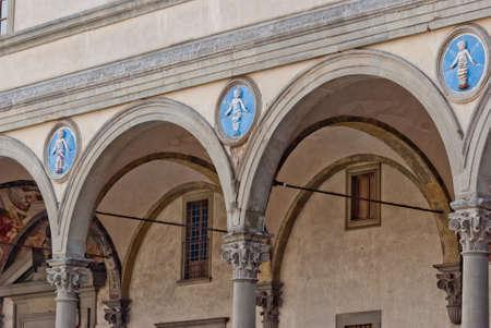 H�pital des Innocents, d�tail loggia, Florence, Italie