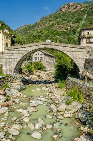 saint martin: Pont-Saint-Martin, Aosta Valley
