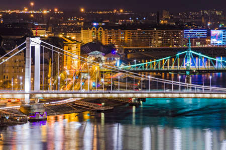 elisabeth: Budapest, Elisabeth and Liberty bridges