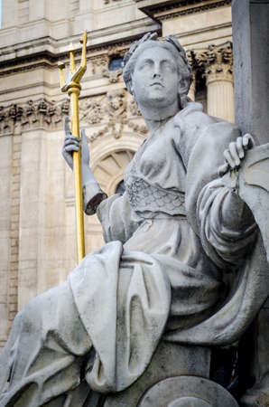 anne: London, Statue of Queen Anne, St Paul Stock Photo