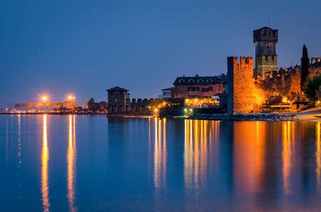 sirmione: Sirmione (Lago di Garda) at twilight