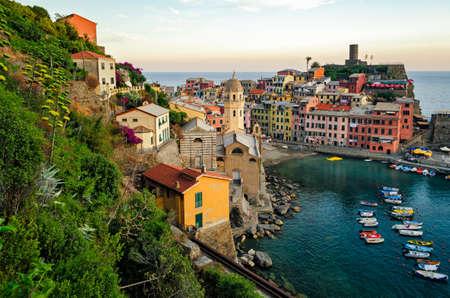 cinque: Vernazza (Cinque Terre Italy)
