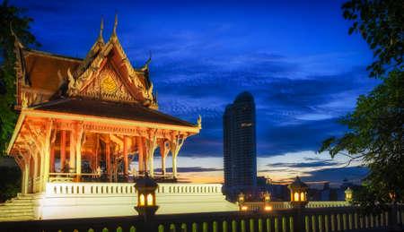 bangkok temple: Bangkok, temple in Santi Chai Prakan Public Park