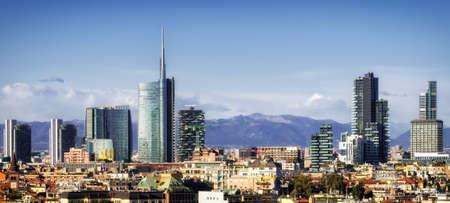 Milaan (Milano) skyline met de nieuwe wolkenkrabbers Stockfoto