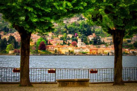 Lago di Como (Lago di Como) sarò vista posteriore da Moltrasio