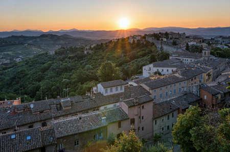 sole: Perugia (Umbria) panorama from Porta Sole at sunrise Stock Photo