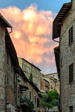 umbria: Assisi (Umbria) old houses
