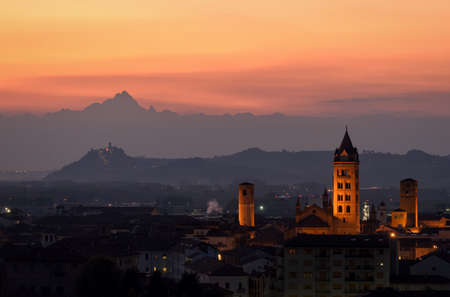 di: Alba at sunset and Monviso in the background