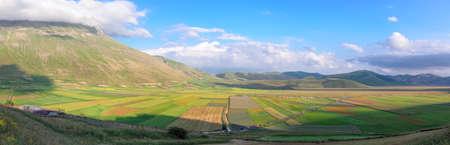 di: Scenic view from Castelluccio di Norcia
