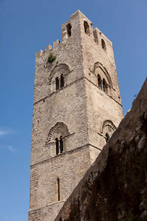 chiesa: Duomo or Chiesa Madre The Cathedral of Erice (Sicily, Italy) is built early 14th century.