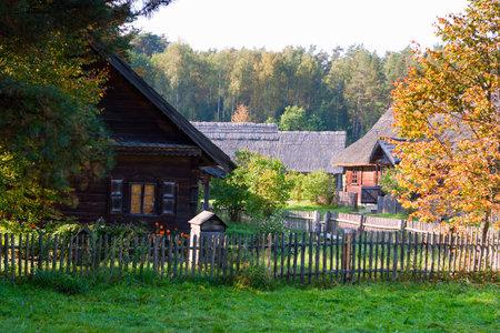 Rumsiskes museo etnográfico en Lituania Foto de archivo - 32632522