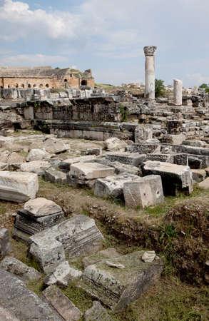 teatro antiguo: Ruinas del antiguo estilo griego Teatro de Hier�polis, Turqu�a