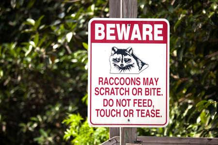 Pas op voor teken wasberen.