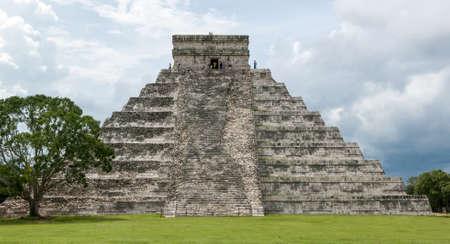 Las ruinas mayas de Chich?n Itz? - Pen?nsula de Yucat?n, M?xico Foto de archivo - 20305700