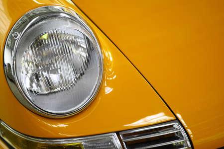 Farbe Detail auf die Scheinwerfer eines Oldtimer. Standard-Bild - 36224503