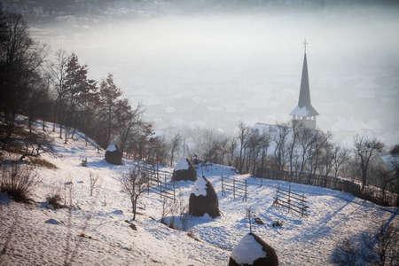 バーサーナ、ルーマニア マラムレシュ地方の木造教会のカラー画像。 写真素材
