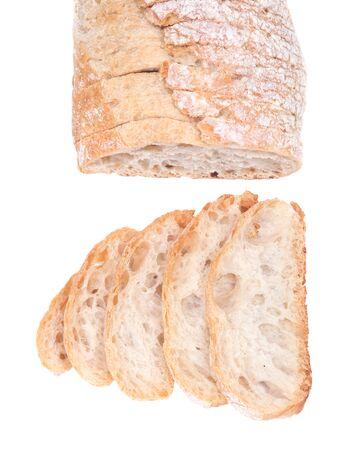 Gesneden Crusty Ciabatta Organisch Italiaans brood geïsoleerd op een witte achtergrond