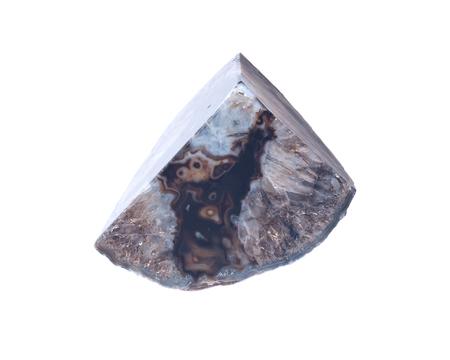 Gepolijste zwarte agaat geode bookend geïsoleerd op een witte achtergrond