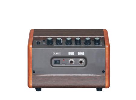 Akustikgitarrenverstärker isoliert auf weißem Hintergrund, Rückseite Standard-Bild