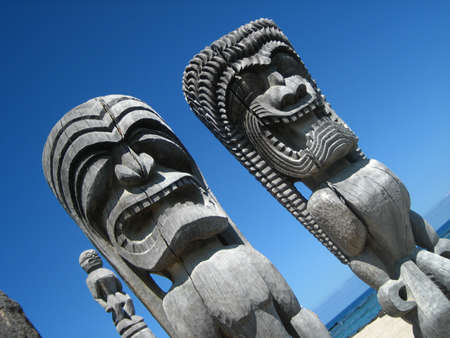 refuge: Hawaiian Tiki God Statues at Place of Refuge National Park Stock Photo