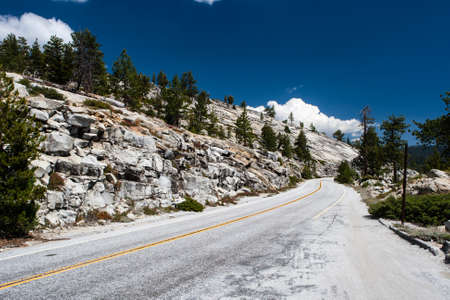 ca he: The Tioga Pass is a 3031 m high mountain pass in the Sierra Nevada in California. The California State Route 120 runs over him. At the same time the Tioga Pass is the eastern access point in the Yosemite National Park. He is the highest highway pass in Ca