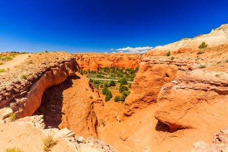 unsurpassed: Redrock hoodoos an unsurpassed views make this one of the most popular trails in the Basin State Park.