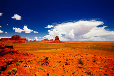 Indn Rte 42 in Monument Valley, Navajo Tribal Park, Arizona, USA