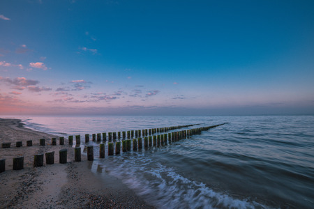 Timber Piles In The Morning At Renesse Zeeland  Netherland Stockfoto
