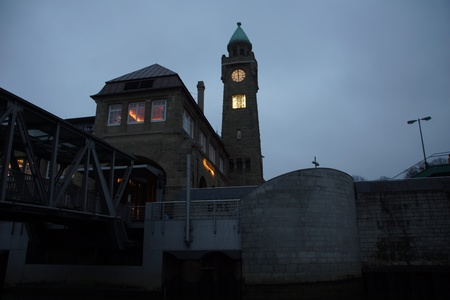 st pauli: The water level tower at the St. Pauli Landing Stages