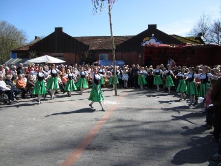 Dancing around the maypole Stock Photo - 20132897