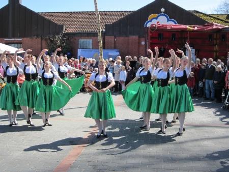 Dancing around the maypole Stock Photo - 20132908