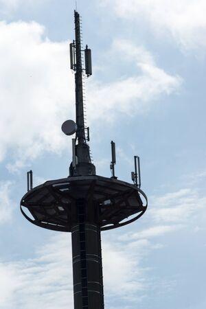 radio unit: A radio mast for mobile
