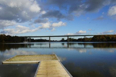 De Rader viaduct met de snelweg A7 op het in de buurt Rendsburg via het kanaal van Kiel Stockfoto