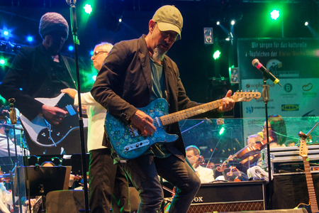 chris: Kiel, Germany  27nd June, 2014  Rock meets Classic at the Kieler Woche 2014 with Andr� Schoch, Emily Intsiful from  The Voice of Germany  and Chris Thompson fromer Voice of Manfred Mann