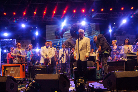 mann: Kiel, Germany  27nd June, 2014  Rock meets Classic at the Kieler Woche 2014 with André Schoch, Emily Intsiful from  The Voice of Germany  and Chris Thompson fromer Voice of Manfred Mann Editorial