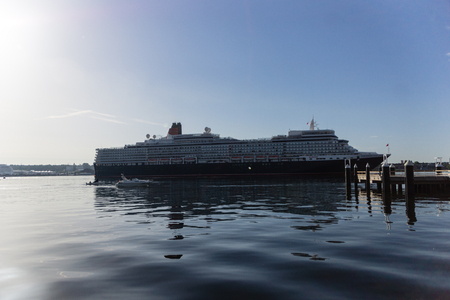 elisabeth: Kiel, Germany. 11th July, 2015. The cruise ships AIDAcara and Queen Elisabeth are visiting Kiel