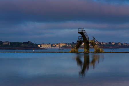 st malo: Trampolino in mare a St Malo Francia