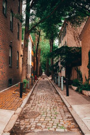 A dreamy centered photograph of an alley way in Philadelphia.