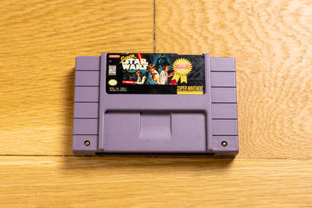 October 25, 2020 - Elkins Park, PA: A Cartridge of Super Star Wars for the Super Nintendo Entertainment System, a Popular Retro Title. 新聞圖片