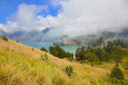 the height of a rim: Mountain lake, Mount Rinjani