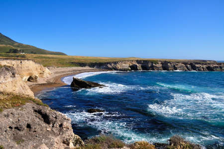unspoilt: Small unspoilt beach and cliff in California central coast, montana de oro state park, USA