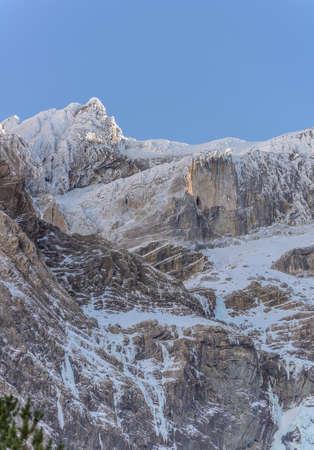 cirque: Snowy mountains at cirque de Gavarnie in the Pyrenees, Frannce