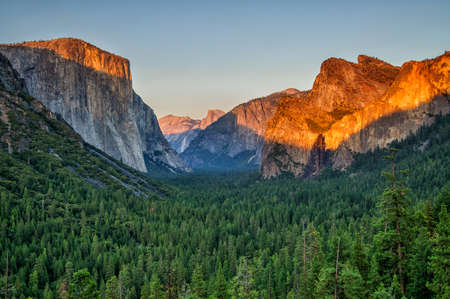 valley view: Yosemite valley at sunset from tunnel view, California