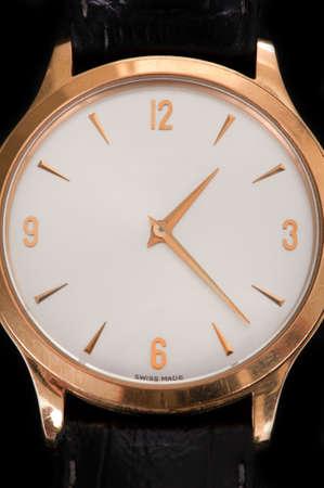 mans watch: Un acercamiento de un reloj de mu�eca Mans Foto de archivo